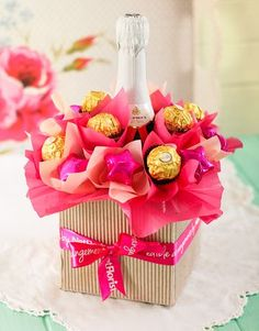 Chocolate gift for Valentine& Day ideas 55 1 70 Chocolate gift for Valentine's Day ideas 55 Chocolate gift for Valentine's Day ideas 55 Cooles DIY Geschenk Ferrero Chocolate Bouquet for Valentine's {Tutorial} - Luxury Moet Bloom Homemade Gifts, Diy Gifts, Homemade Food, Gift Crafts, Candy Crafts, Yarn Crafts, Cute Gifts, Best Gifts, Valentine Day Gifts