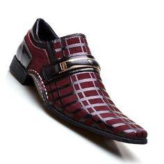 7338ba0c3e Sapato Social Masculino Calvest Preto Detalhado Em Verniz - R  189