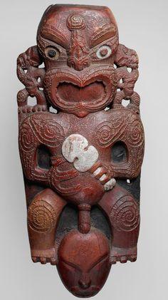 Free Standing Sculpture, Maori Patterns, Polynesian Art, New Zealand Art, Maori Art, Sculpture Art, Sculptures, Bone Carving, Ocean Art