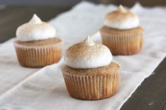 Snicker doodle cupcakes