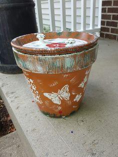 Clay garden pot becomes decorative