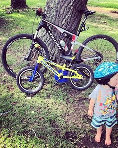 Great holiday of riding through the generations on their Volcan bicycles. Bike Design, Bicycles, Mtb, Mountain Biking, Cycling, Outdoors, Holiday, Motorcycle Design, Biking