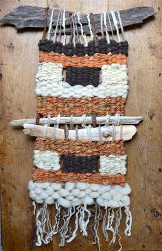 Telares Murales Decorativos Wool Wall Hanging, Weaving Wall Hanging, Weaving Art, Tapestry Weaving, Loom Weaving, Tapestry Wall Hanging, Hand Weaving, Wall Hangings, Textiles
