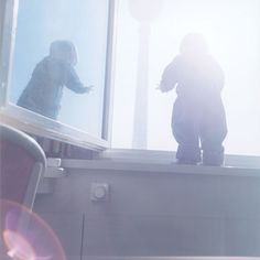 rinko kawauchi I love Kawauchi's use of light in this image, there is something that I really love about lens flares.I really like the way he has turned the baby into a silhouette, making it easily recognisable, but you can't tell what the baby is doing/about to do.