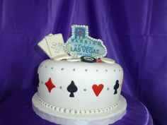 Married in Las Vegas cakes are a fun theme for us here at Cakes On The Move.