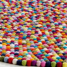 Felted Ball Rug? Yes, please.