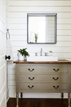 Renovating a bathroom on a small budget? Thoughtful selections and creative use of existing space will help you get the most out of your budget bathroom remodel. Get inspired with these tips for getting maximum style and function with minimum spending. Budget Bathroom, Small Bathroom, Bathroom Ideas, Bathroom Beadboard, Bathroom Gray, Downstairs Bathroom, Master Bathroom, Old Bathtub, Recessed Shelves