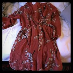 Line & Dot Floral Dress Adorable 100% silk dress. Beautiful colors with v-neck. Would be gorgeous with heels on a spring day Line & Dot Dresses