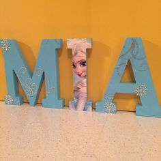 17cm Custom Wooden Letters Children's Bedroom/Nursery - Disney Frozen Theme