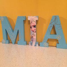17cm Custom Wooden Letters Children's Bedroom/Nursery - Disney Frozen Theme