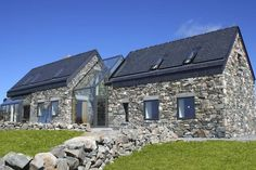 Beautiful Stone Cottage - sleeps 6/7 beside beach - Houses for Rent in Roundstone, Galway, Ireland