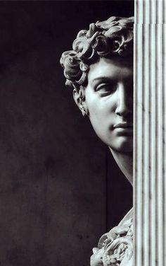 Sculpture of Giuliano de' Medici by Michelangelo. Photo by Aurelio Amendola. Art Sculpture, Oeuvre D'art, Art History, Sculpting, Art Photography, Creative Photography, Wedding Photography, Fine Art, Black And White