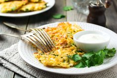 Rösti, Reibekuchen Avocado Dressing, Love Food, Ethnic Recipes, Fit, Tomato Salad Recipes, Chef Recipes, Low Calorie Desserts, Dressing Recipe, Shape