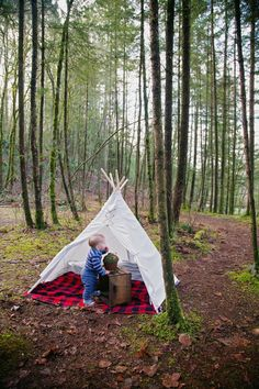 What a beautiful shot!  #kidsteepee #tipi #kidstipi #teepee #playtent #tent #kidstent #childrenteepee #childrentent #play #kids #children #outdoorplay #handmade #woods #playoutside #picnic #outdoors