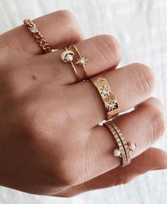Nature Inspired Emerald Engagement Ring Set Rose Gold Engagement Rings Branch and Wedding Emerald Ring - Fine Jewelry Ideas Diamond Jewelry, Gold Jewelry, Jewelry Accessories, Women Jewelry, Jewelry Box, Jewelry Armoire, Gold Bracelets, Diamond Earrings, Jewelry Making