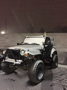 First Snow Here In Tn Thus The Obligatory Jeep Photo Op