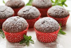Briose cu ciocolata - Desert De Casa - Maria Popa Muffin, Sweet, Romanian Recipes, Candy, Muffins, Cupcakes