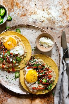 Breakfast Tostada Real Food by Dad Tostadas, Mexican Food Recipes, Real Food Recipes, Yummy Food, Healthy Recipes, Cabbage Recipes, Tofu Recipes, Avocado Recipes, Cooker Recipes