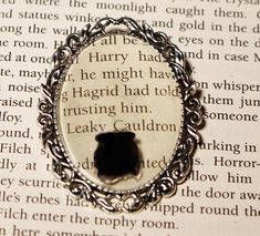 Harry Potter Leaky Cauldron Cameo Brooch Cabochon Ink Paper