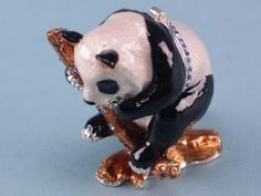 Ideal for gift shops, choose from our wholesale selection of Cloisonne products Big Panda, Panda Bear, Wholesale Supplies, Kitsch, Awesome, Animals, Beauty, Animales, Animaux