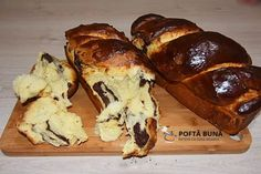 Cozonac pufos (reteta traditionala) Sweets Recipes, My Recipes, Cookie Recipes, Romanian Desserts, Romanian Food, Pastry And Bakery, Pastry Cake, Brioche Recipe, Sweet Pastries