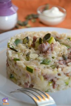 Risotto zucchine, salsiccia e yogurt
