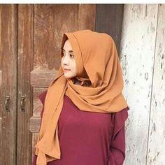"""""""Berhijab bukan sebuah alasan untuk tidak tampil sexy"""" Selamat malam semuanya. Follow @dina.auliap Keep healthy and sexy girl #jilbab #jilboob #hijab #jilbabcantik #jilbabsexy #jilbabindonesia #cewekjilbab"""