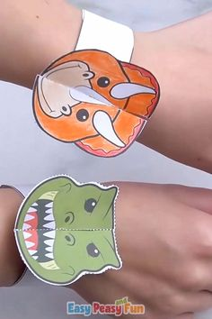 Dinosaur Paper Bracelets for Kids - Easy Peasy and Fun - If you've got a dinosaur craft loving kid in your home, they will go nuts over these dinosaur pap - Educational Games For Kids, Kids Learning Activities, Vocabulary Activities, Kids Gift Bags, Diy For Kids, Crafts For Kids, Paper Plate Animals, Toddler Arts And Crafts, Paper Bracelet