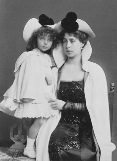 (Ducky)Princess Victoria Melita, Grand Duchess of Hesse with her daughter Princess Elizabeth