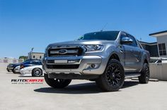 FORD RANGER ASSAULT GLOSS BLACK MILLED ACCENTS