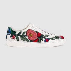 the latest a6f61 0a661 Ace embroidered sneaker Vita Sneakers, Skor, Gucci Skor, Flickskor, Kassar