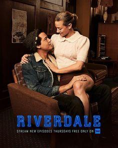 Riverdale Netflix, Watch Riverdale, Riverdale Archie, Bughead Riverdale, Riverdale Funny, Riverdale Memes, Riverdale Polly, Tv Show Couples, Movie Couples