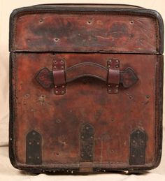 Beautiful Distressed Worn Leather Antique Steamer Trunk Chest Coffee Table | eBay
