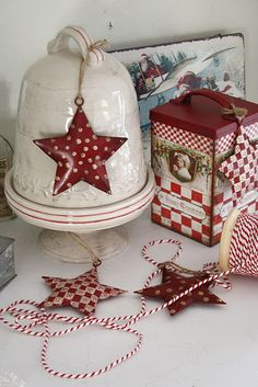 I love Scandanavian style Christmas ornaments and decorations.  So simple and yet such an impact.