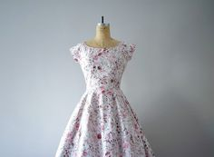 1950s dress . vintage 50s pink roses dress by BlueFennel on Etsy https://www.etsy.com/listing/217241358/1950s-dress-vintage-50s-pink-roses-dress