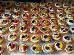 Φανταστικά ταρτάκια : Υπέροχη ιδέα για γλυκό βάφτισης - Daddy-Cool.gr Cheesecake Cupcakes, Cheesecake Brownies, Mini Cupcakes, Food Network Recipes, Food Processor Recipes, Cooking Recipes, The Kitchen Food Network, Dessert Recipes, Desserts