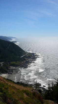 Parte da costa de Oregon, vendo-se o Oceano Pacífico a partir de Cabo Perpétuo, Oregon, USA.  Fotografia: Jfowler27 no Flickr.