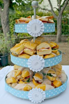 Love this! Saves space and gives vertical appeal on table! #babyshowerboy