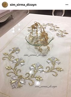 Bead Embroidery Patterns, Hand Embroidery Tutorial, Beaded Embroidery, Embroidery Designs, Free Hand Designs, Creative Embroidery, Brazilian Embroidery, Gold Work, Decoration Table