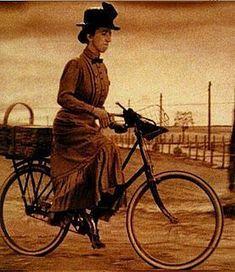 Wizard Of Oz Riding Bike Google Search Girls On Bikes