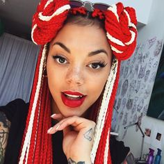 miryamlumpini, red box braids, blonde box braids, black girl with colored hair, colorful hair, afro hairstyle.