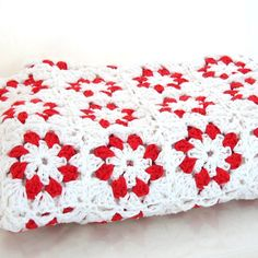 Red and White Cotton Flower Granny Square Blanket