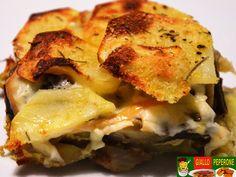 Ingredienti per 4 persone: 8 carciofi grandi 4 patate medie 100 gr di fontina 100 gr di provolone dolce 100 gr di caciocavallo silano 50 gr di parmigiano g