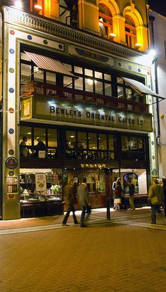 Bewleys Cafe, Grafton St, Dublin, Bewley's Oriental Cafe Grafton Street - a Dublin institution opened 44 years before the first Starbucks.