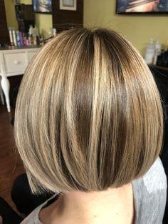 Short Hair With Layers, Layered Hair, Short Hair Cuts, Musical Hair, Bob Haircut For Fine Hair, Bob Hairstyles For Fine Hair, Medium Hair Styles, Short Hair Styles, Hair Highlights