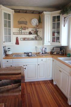 Farmhouse kitchen  na-da farm life...with anne marie