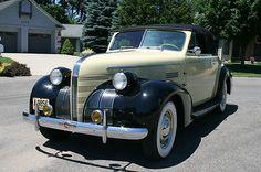 1939 Pontiac Silver Streak - Deluxe Eight Convertible