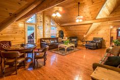 Pigeon Forge cabin rental in the Smoky Mountains. Pigeon Forge Cabin Rentals, Smoky Mountains Cabins, Wedding, Casamento, Weddings, Marriage, Mariage
