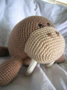 Wilbur la morsa Amigurumi Crochet patrón único por daveydreamer