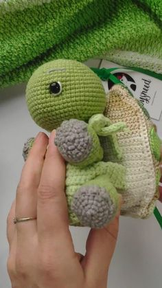 Crochet Turtle with Changeable Shells- Etsy find affiliate link. Turtle toy pattern, turtle tutorial, mosaic turtle, cute crochet turtle, baby turtle pattern, soft toy turtle pattern Diy Crafts Videos, Diy Crafts To Sell, Diy Crafts For Kids, Home Crafts, Fourth Of July Crafts For Kids, Diy Gifts For Dad, Mom Gifts, Turtle Baby, Crochet Turtle